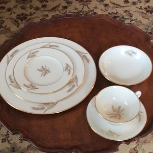Lenox Harvest R441  6pcs place setting. With bonus